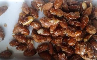 prażone migdały w karmelu