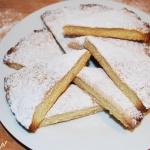 Kruche ciastka z cukrem pudrem
