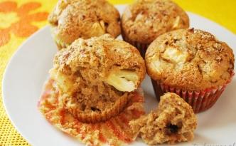 muffinki z jabłkami i cynamonem