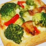 Ciasto francuskie z brokułami i kurczakiem
