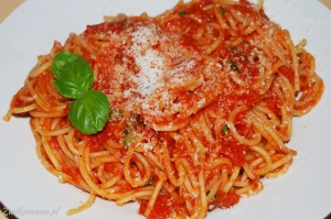 makaron z pomidorami