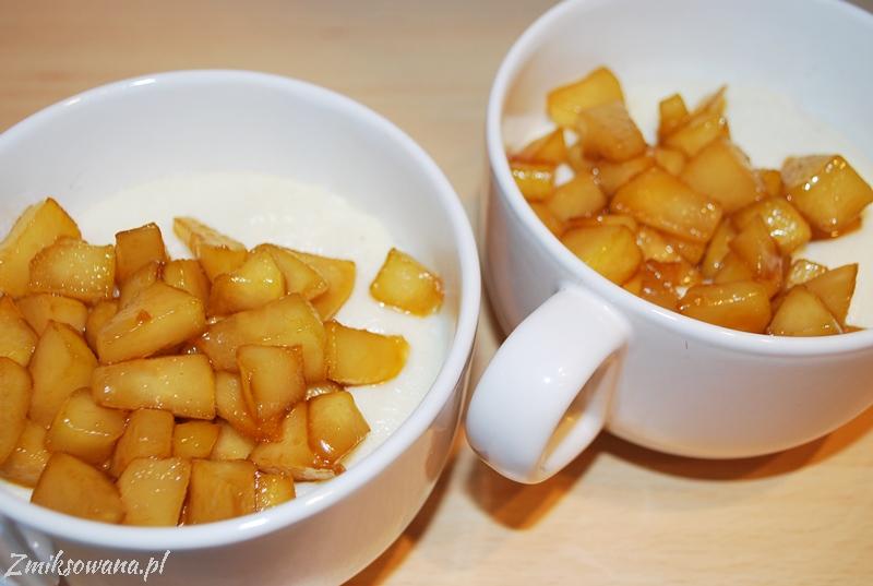kasza manna na mleku z karmelizowanymi gruszkami