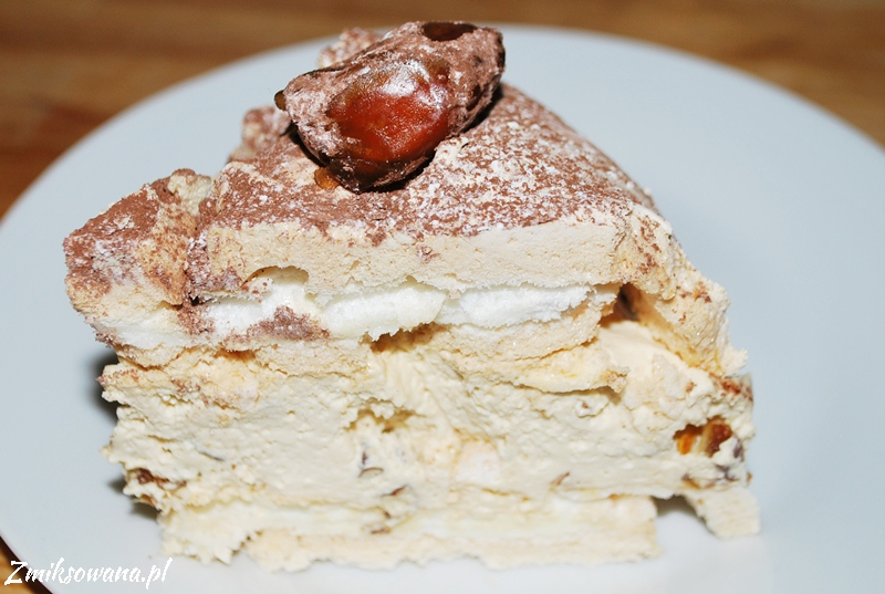 tort bezowy z masą kajmakową