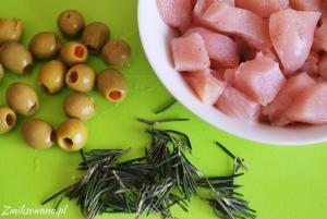 kurczak, rozmaryn, oliwki