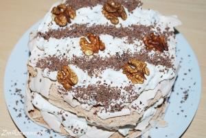 Cynamonowy tort bezowy