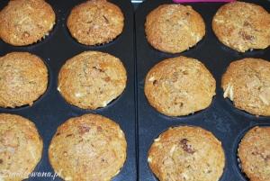 Razowe muffinki z daktylami