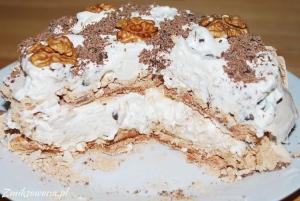 Tort bezowy cynamonowy