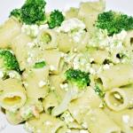 Makaron z pesto brokułowym