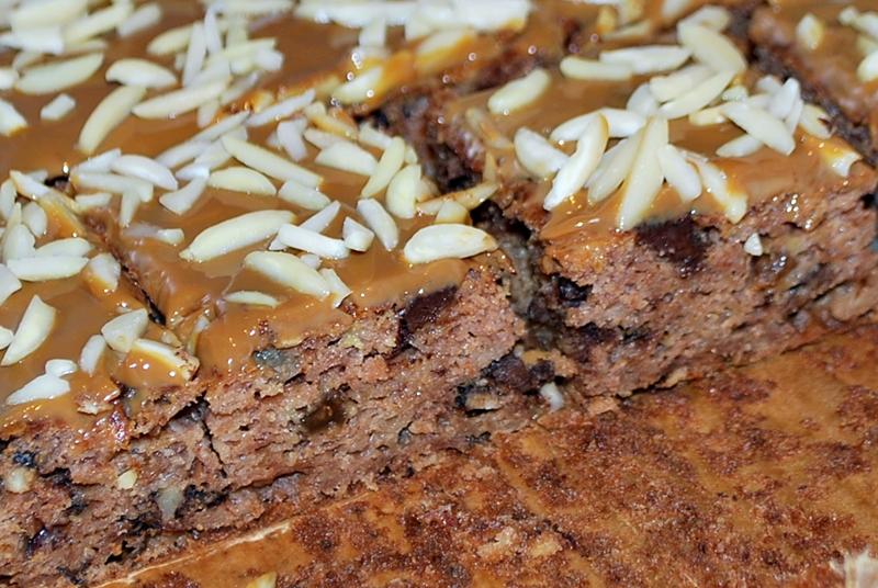 Ciasto z jabłkami i bakaliami, z cynamonem