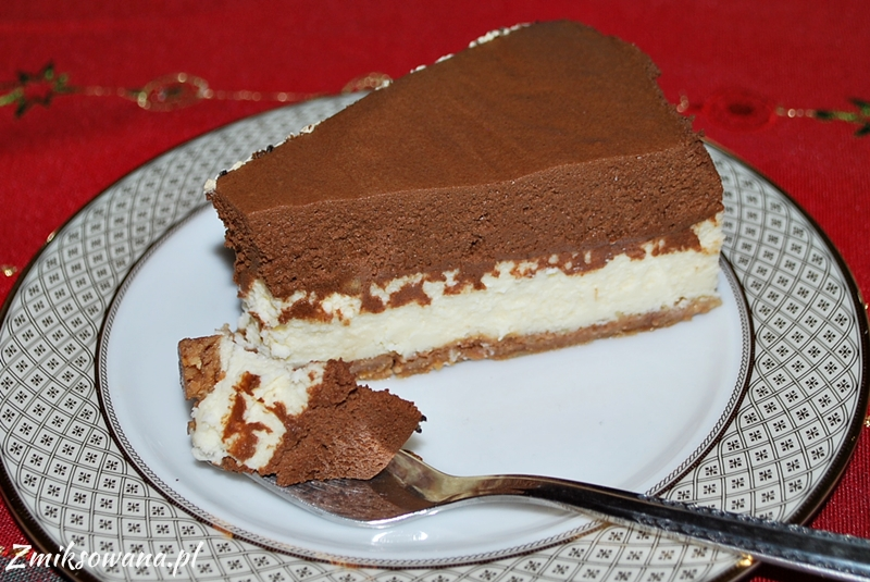 Sernik z musem z czekolady