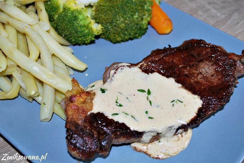 Stek wołowy z sosem musztardowym