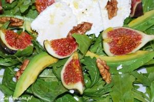 Sałatka z figami, białym serem, awokado