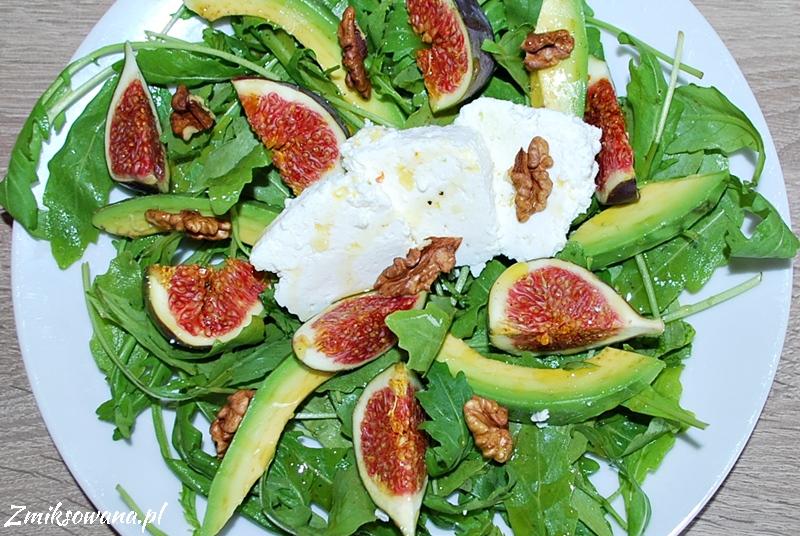 Sałatka z figami, białym serem i awokado