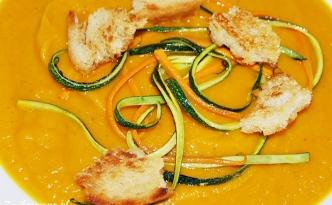 Krem z dyni i marchewki i cukinii