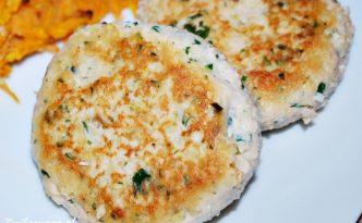 Burgery z łososia i szpinaku