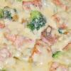 Zapiekanka makaronowa z brokułami i łososiem